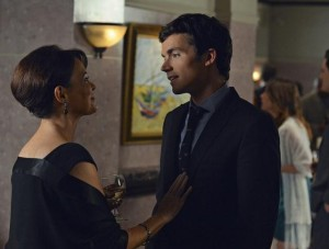 Ezra and Mama Fitz.....she can't bail him out of this one  (http://prettylittleliars.alloyentertainment.com)
