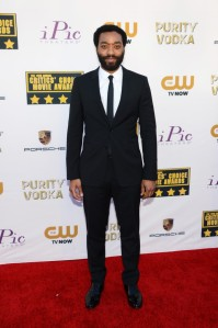 Chiwetel-Ejiofor-in-Burberry-2014-Critics-Choice-Movie-Awards-600x902