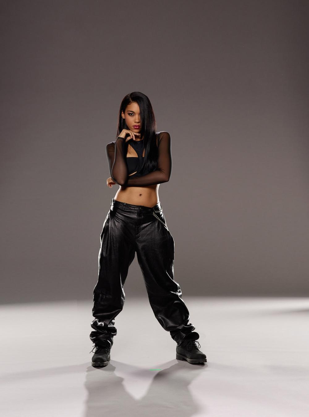 Alexandra-Shipp-as-Aaliyah-5